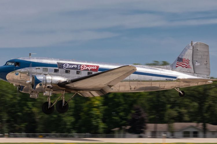 History of the airplane N28AA DC-3