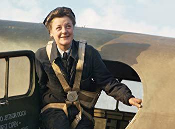 Women in Aviation (Paperback)